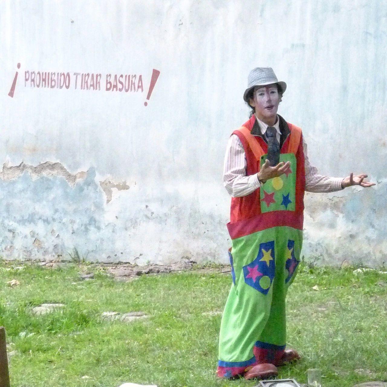 Reciclaje Basura En La Calle Payaso Responsabilidad Clown
