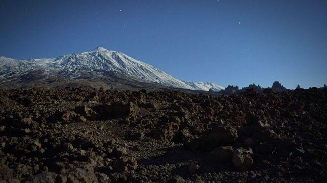 El teide bajo la luz de la luna Teide El Teide Tenerife Noche Night Moon Moonlight Moon Light Valle Ucanca Luna Luz De La Luna Estrellas Stars