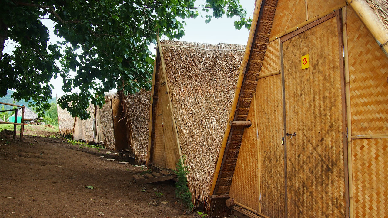 Accommodation For Travellers Nature Thailand Travel Photography Traveling Wanderlust Accommodation Architecture Building Exterior Built Structure Day Explore Hut Huts Nature No People Outdoors Pai Pai Thailand Thailand_allshots Thailandtravel Travel Destinations Tree