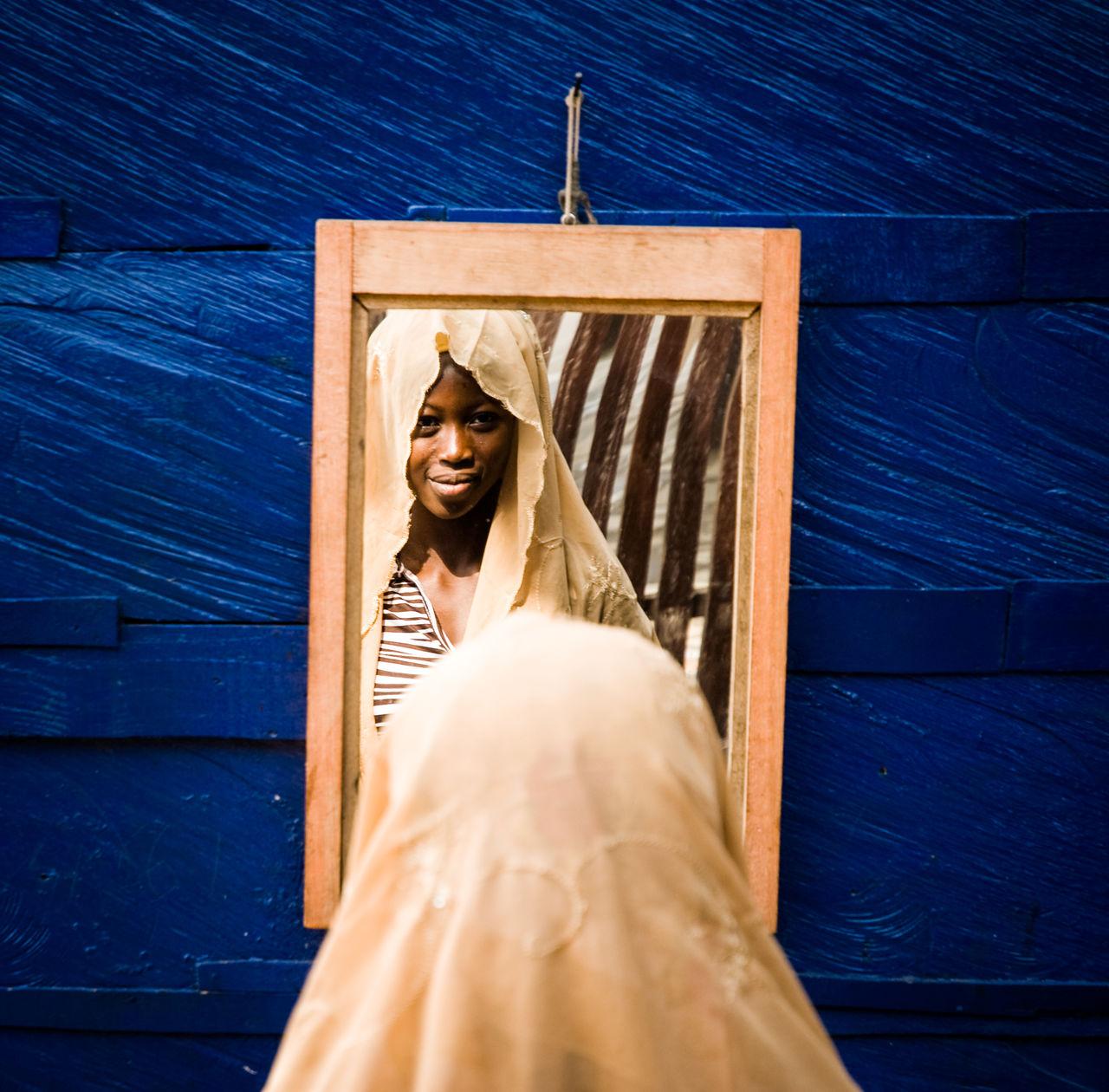 girl in a mirror, Kaneshi market, Accra Market Accra Africa Afrika Blue Ghana Girl Power Headscarf Kopftuch Look Into Mirror Mirror Natural Beauty Portrait Portrait Photography Spiegel Spiegelbild