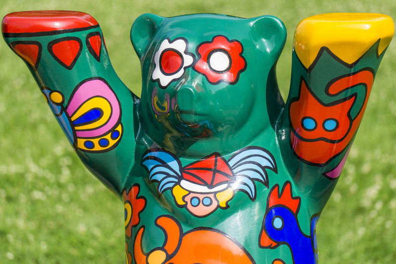 Buddy Bear Berlin Show: Single colorful bear Arts And Crafts Berlin Buddy Bear Berlin Show Germany 🇩🇪 Deutschland Horizontal Painted Close-up Color Image Countries Day Exhibition Green Color Multi Colored Nation No People Outdoors Sculpture