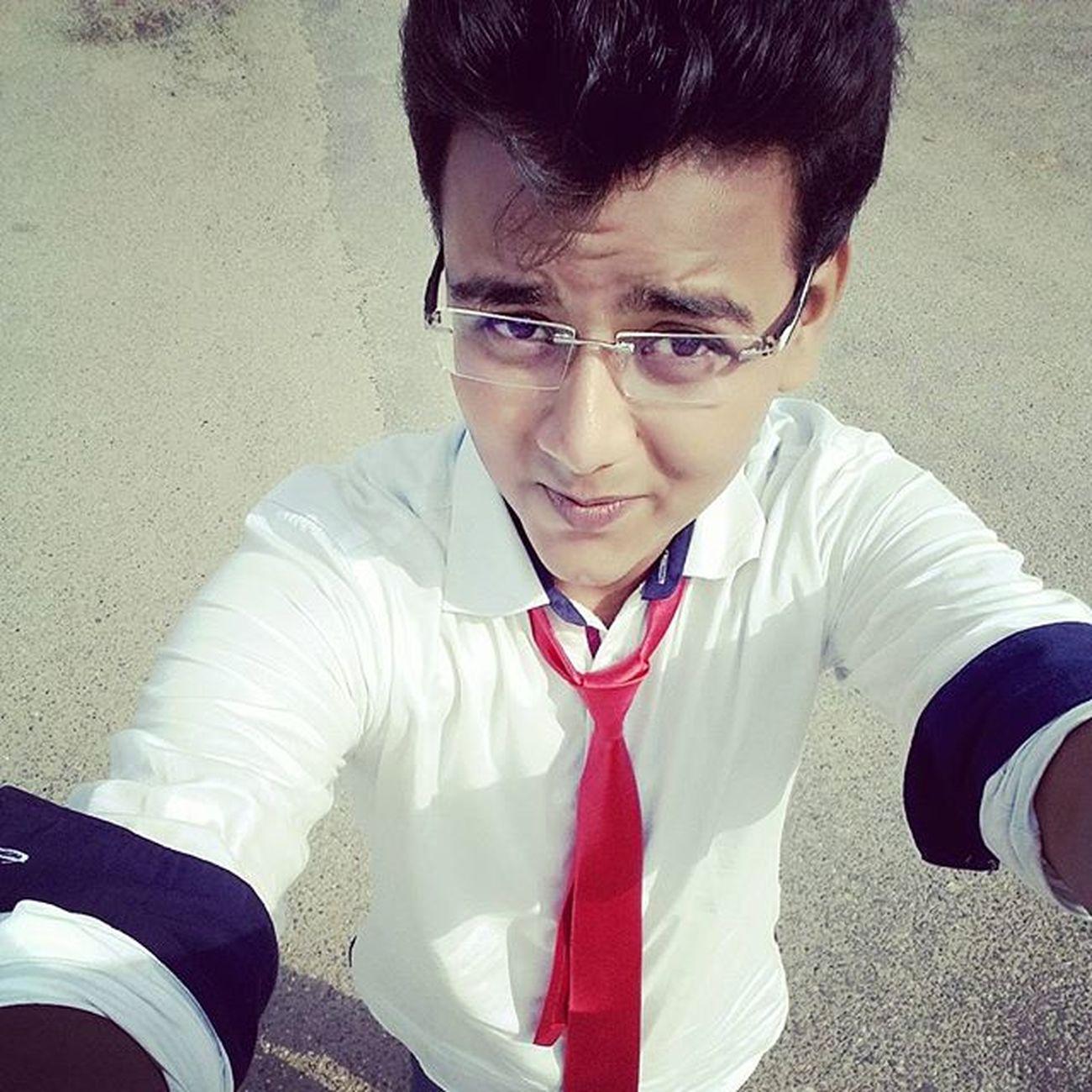Red Selfie Pic_of_da_day