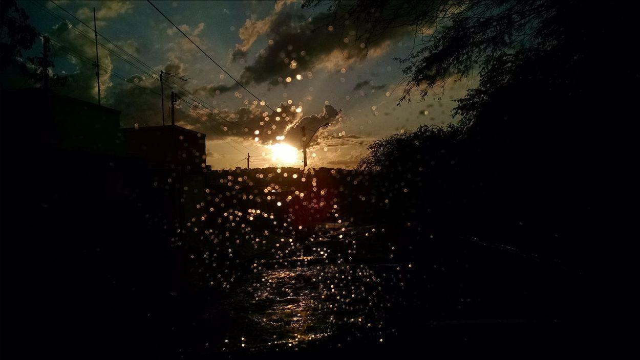 Chuva e por do sol