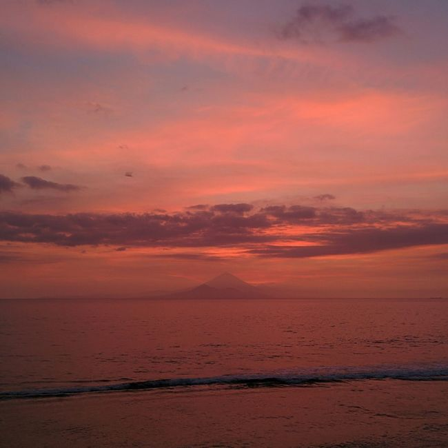 Sunset Sundown Purple Volcano Lombok INDONESIA The World Needs More Purple Sunset Porn