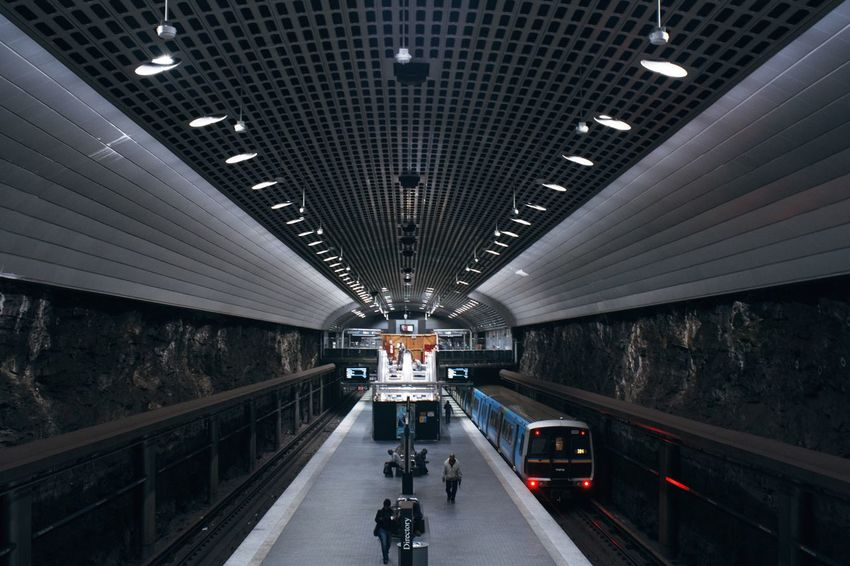 Atlanta underground 🚇 Transportation Ceiling Architecture Built Structure The Way Forward Road Indoors  Illuminated No People Day Leading Lines Subway Subway Station City Architecture Architecture_collection Travel Destinations Streetphotography Night Nightphotography Urban Urban Skyline City Life Buildings Modern