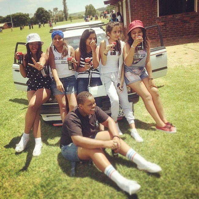 Friendship GhettoPixAlwaysTopItOff MaynnnnILoveTheseGurls AthletesWeek Weinthis ... Sdeshaaaa ...😜😂😂😂😁😂😂😆
