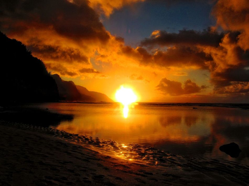 Beach Beauty In Nature Cloud - Sky Idyllic Kauai Kauai♡ Nature No People Ocean Outdoors Scenics Sea Sky Sunset Tranquil Scene Water