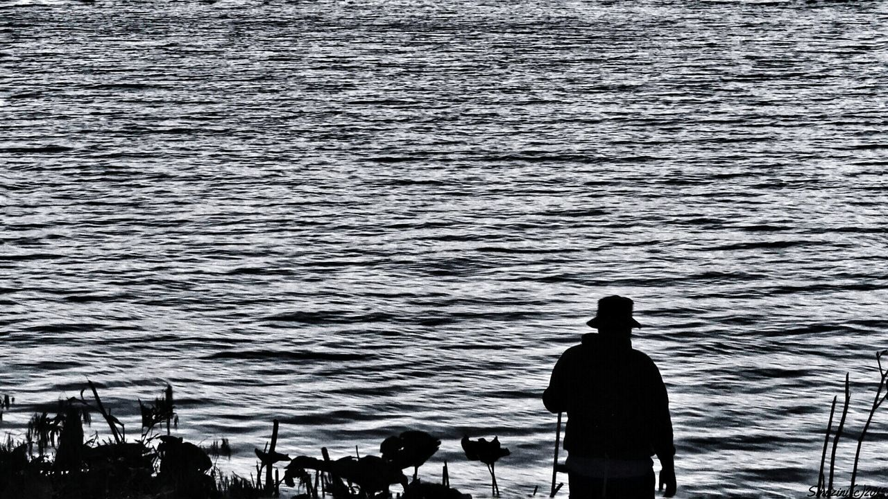Shades Of Grey Summer Views .The Old man and the Sea. . Black & White Black And White Peoplephotography Taking Photos From My Point Of View Monochrome People Watching Water_collection#blackandwhite