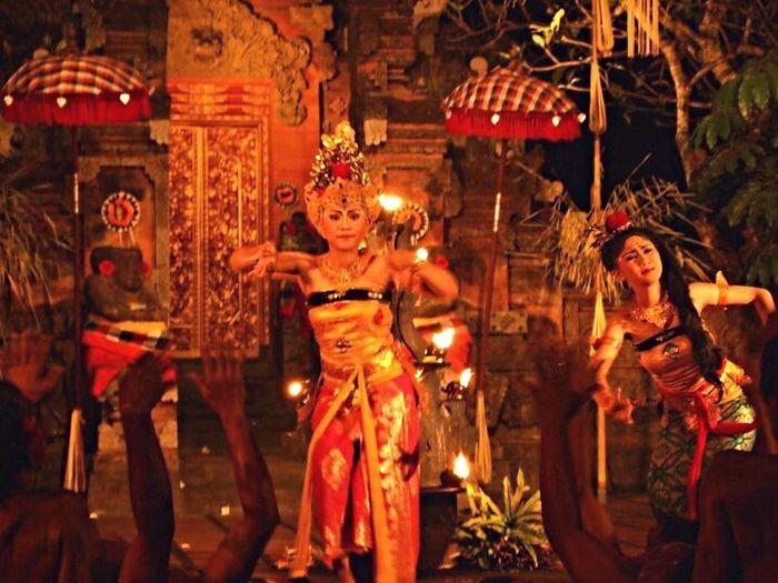 Women Around The World Bali, Indonesia Kecak Dance Beautiful Woman Dancing Lady