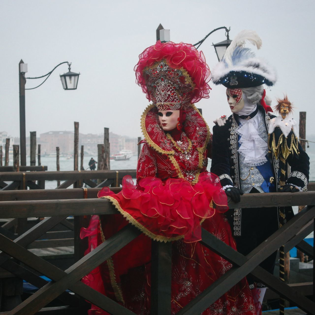 Mirrorless NX2000 Carnevaledivenezia Dress Contestgram Colors Of Carnival Venezia Gondola Red Mylady Picoftheday Igers Igersitalia Carnival Instagood Instalike Vogue