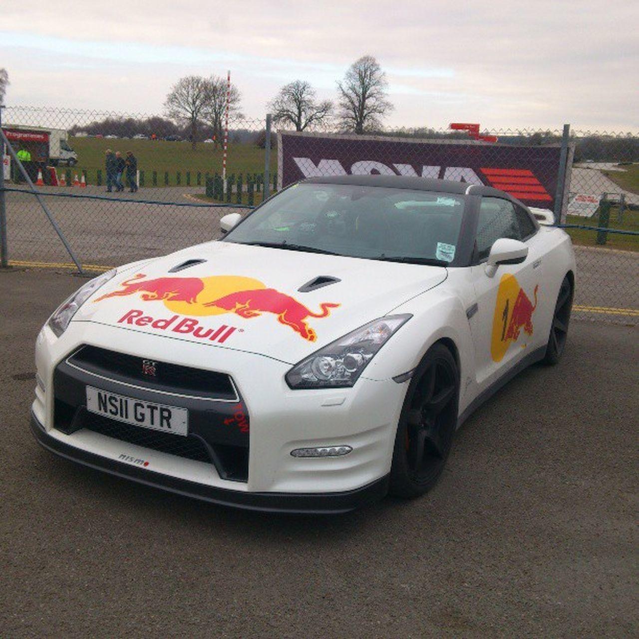 Nissan GTR RedBull Racing Oultonpark