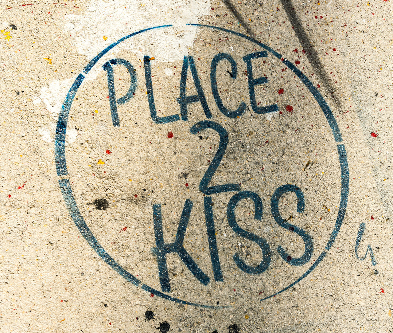 Close-up Communication Day Forbidden No People Outdoors Pavement Place 2 Kiss Sidewalk Wynwood Walls