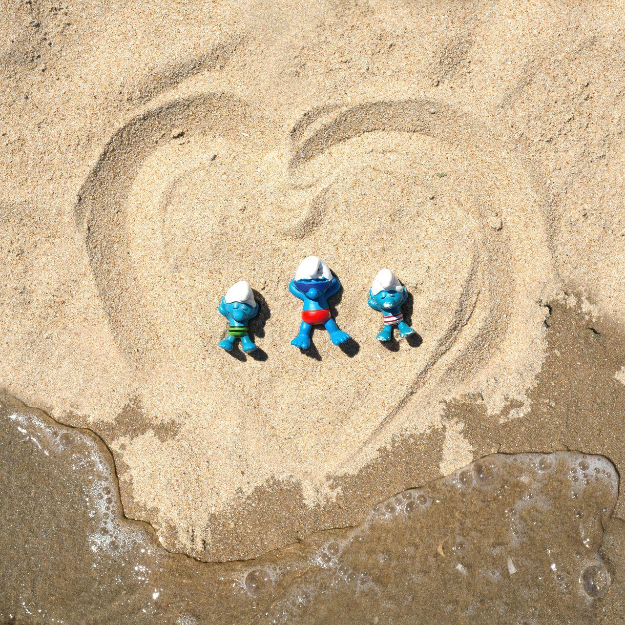Smurf Farniente Sieste Schtroumpf Heart Coeur  Schlumpf Relaxing Dormir Plage Bronzer  Mer Ocean La Tranche Sur Mer Sea
