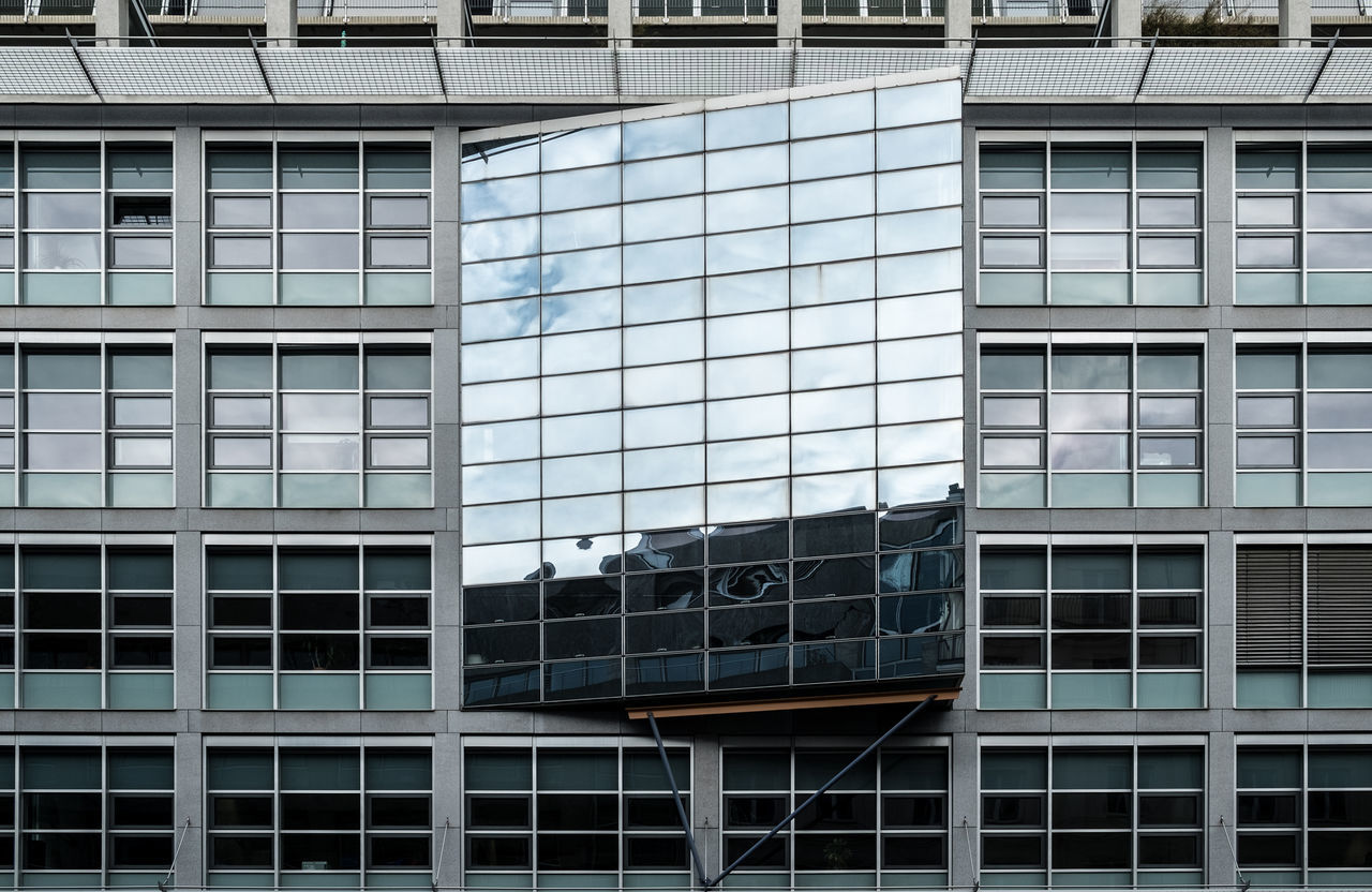 Facadereflection Architectural Detail Architectural Feature Architecture Architecture_collection Architecturelovers Building Exterior Building Story Built Structure Day Façade Modern No People Office Building Exterior Outdoors Pattern Reflection Urban Geometry Urbanphotography