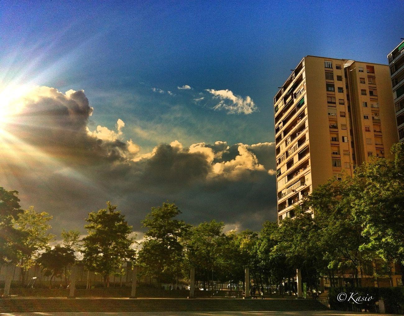 Esta foto la tomé está misma tarde, para regalársela a mi amiga @kanjichu1 Cloudporn Urban Landscape Sky_collection EyeEm Best Shots
