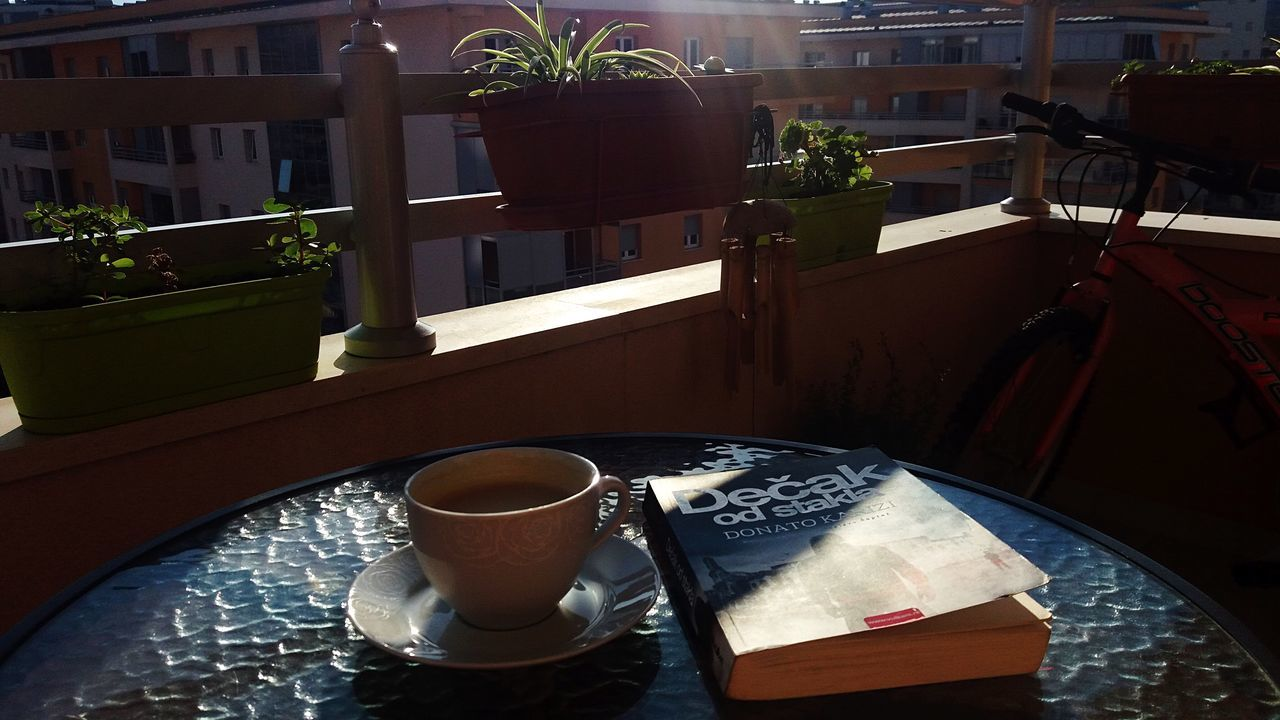 Nice View Terrace Flowers Book Booklover Coffee - Drink Coffee Coffee Time Morning Books ♥ Sunny Day