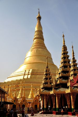 Shwedagon Pagoda is one of the oldest Buddhist pagoda in capital city of Yangon, Myanmar. Its golden and white stucture, standing 99m tall is something you can't miss when you are in Yangon city Buddhist Budhhism Historical Monuments Historical Sights Shwedagon Pagoda Travel Yangon Architecture Day Golden Pagoda Great Dragon Pagoda Historical Place Myanmar Outdoors Place Of Worship Religion Shwedagon Shwedagonpagoda Sky Streetphotography Travel Asia Travel Destinations White Temple