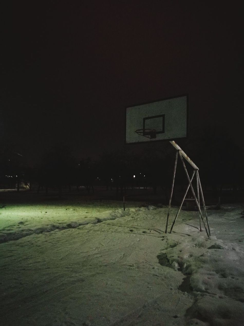 Playing hoops in the snow Basketball Hoop Snow Guard Duty Basketball - Sport Basketball Hoop Night Outdoors Cold Cold Temperature Cold Weather No People Sport Grass Soccer Field Court