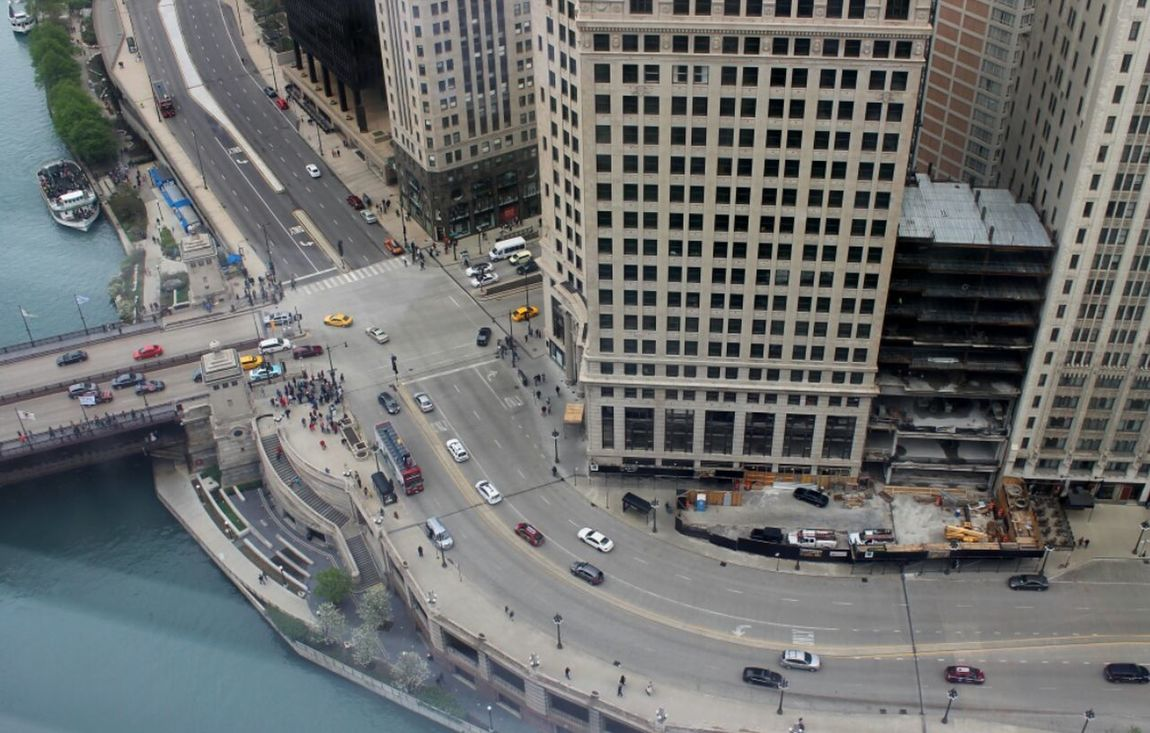 Chicago Wacker Drive Abovetheworld Cars Chicago Architecture Chicagoriver Highrise