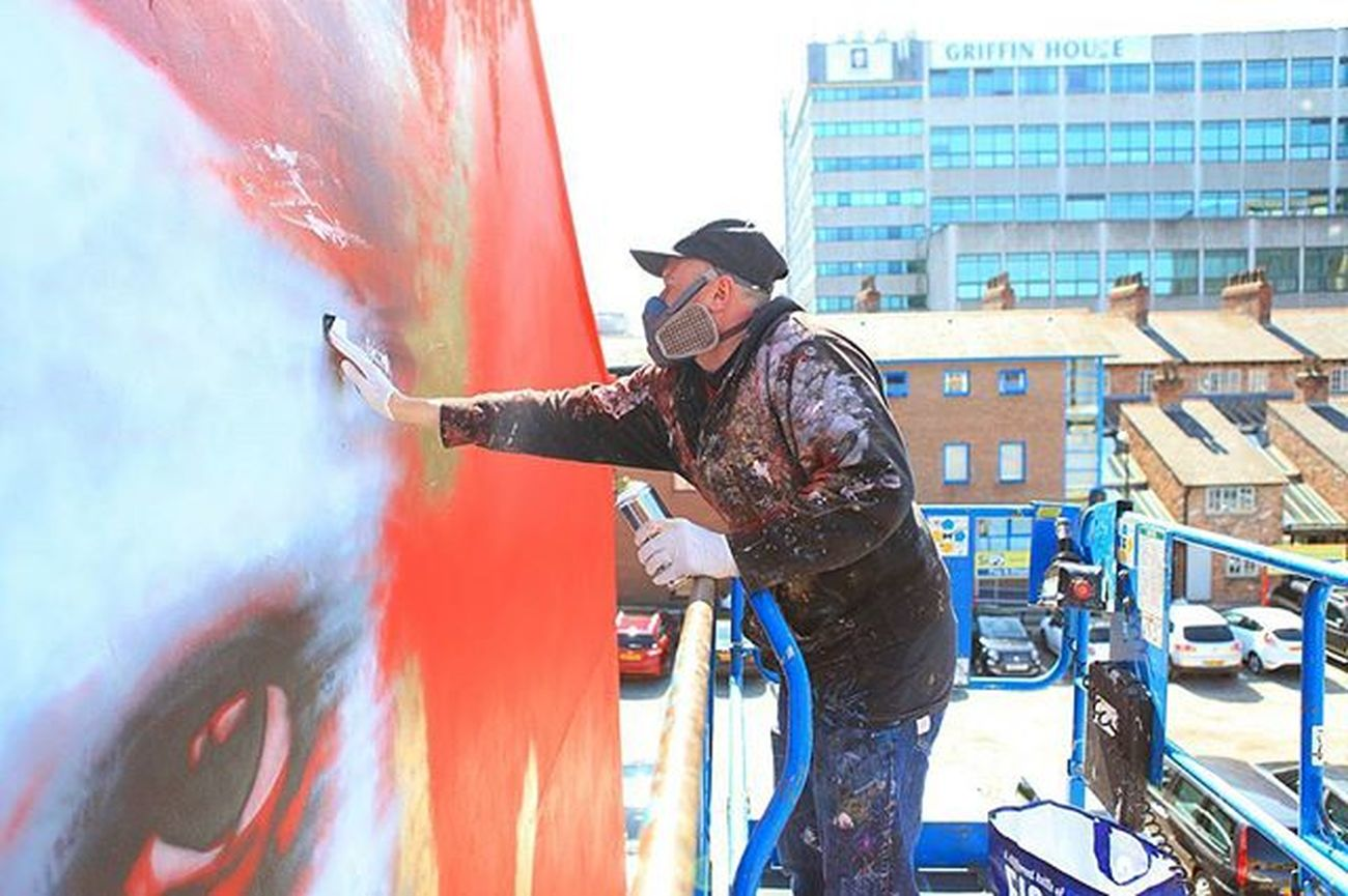 WIP @dale_grimshaw working on a massive mural at @citiesofhope festival - Manchester, UK. Many thanks to the festival for hosting us. Streetart Citiesofhope Mural Art Art Mural Dalegrimshaw