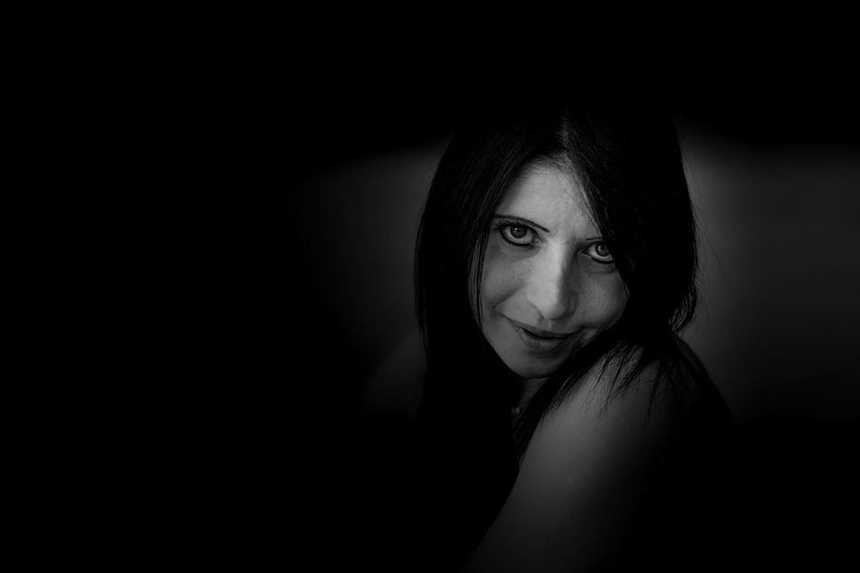 Più scuri che chiari . . . Beautiful Girl Portrait Of A Woman Blackandwhite Photography EyeEm Best Shots - Black + White Womanportrait