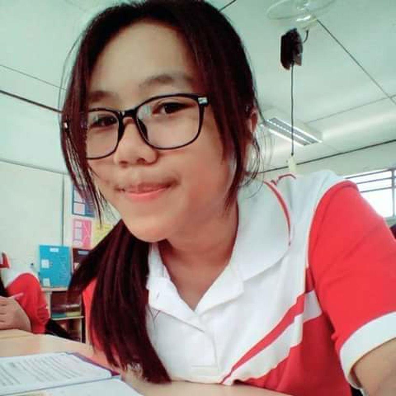 Senior high school 5/2 ,studying biology!!!!! Hi! Hello World