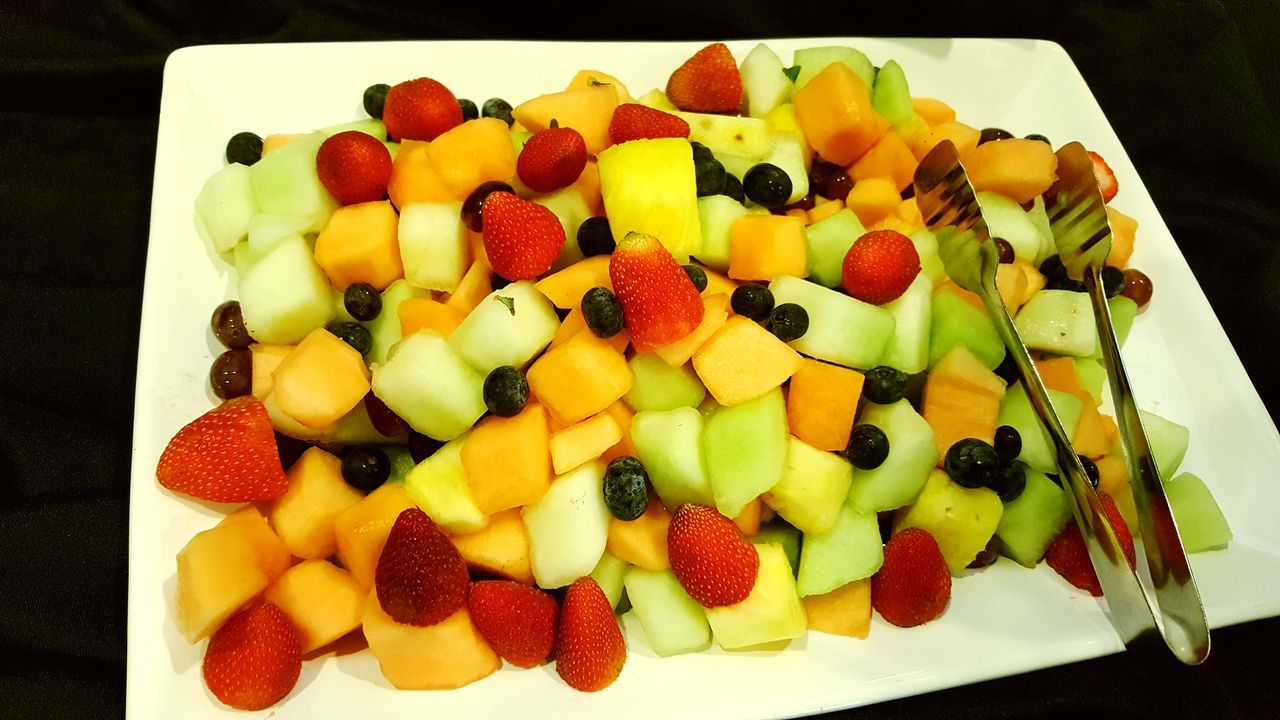 Healthy Food Healthyliving Colorsplash Colors Of Nature Fruit Strawberry Kiwi - Fruit Food Food And Drink Raspberry Freshness Indoors  Healthy Eating No People Ready-to-eat Dessert Sweet Food Close-up Day