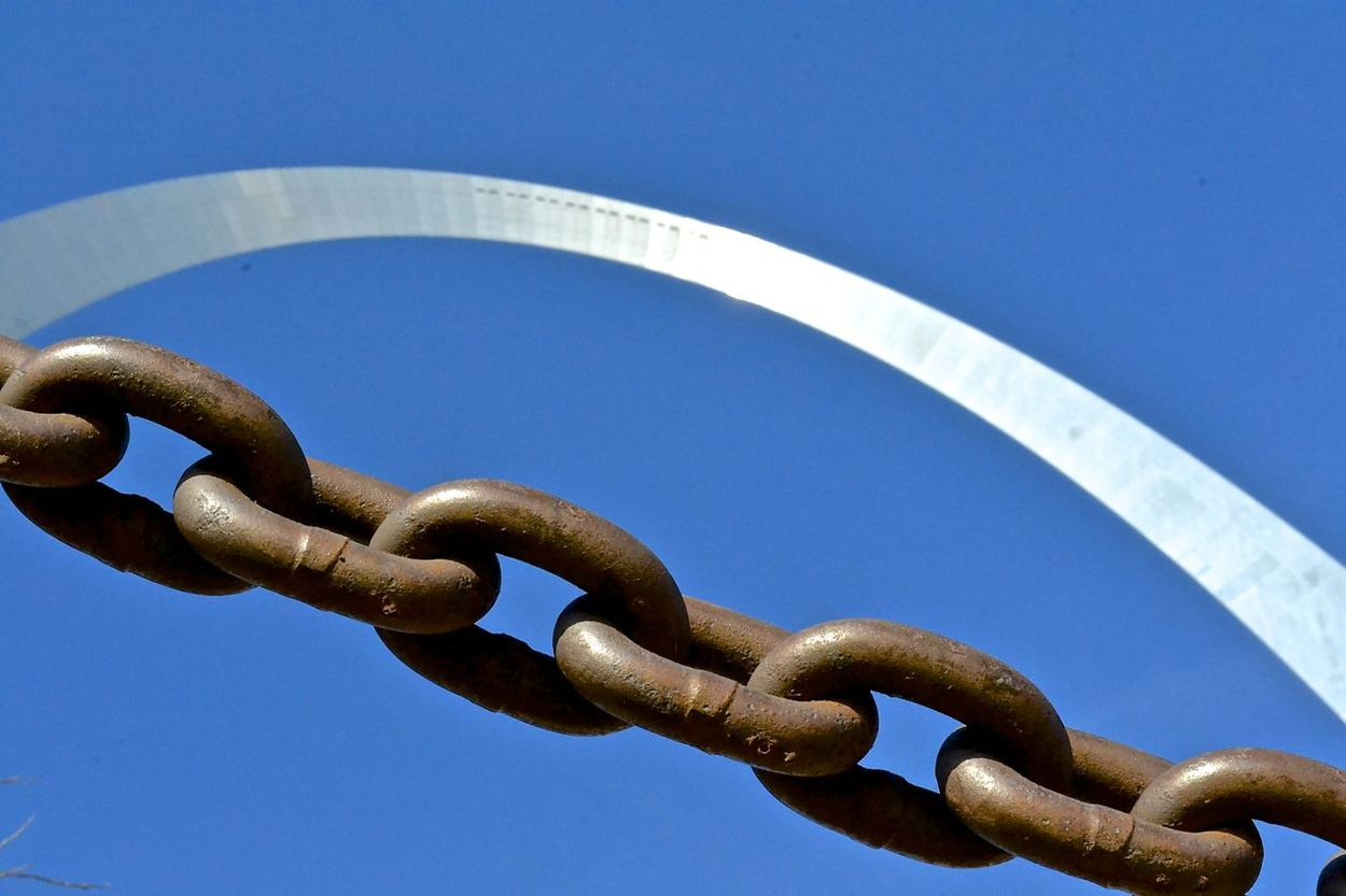 Angles Blue Chain Chain Link Clear Sky Day Glare Low Angle View Metal OLD NEW Outdoors Rust Sky St. Louis Arch Strength