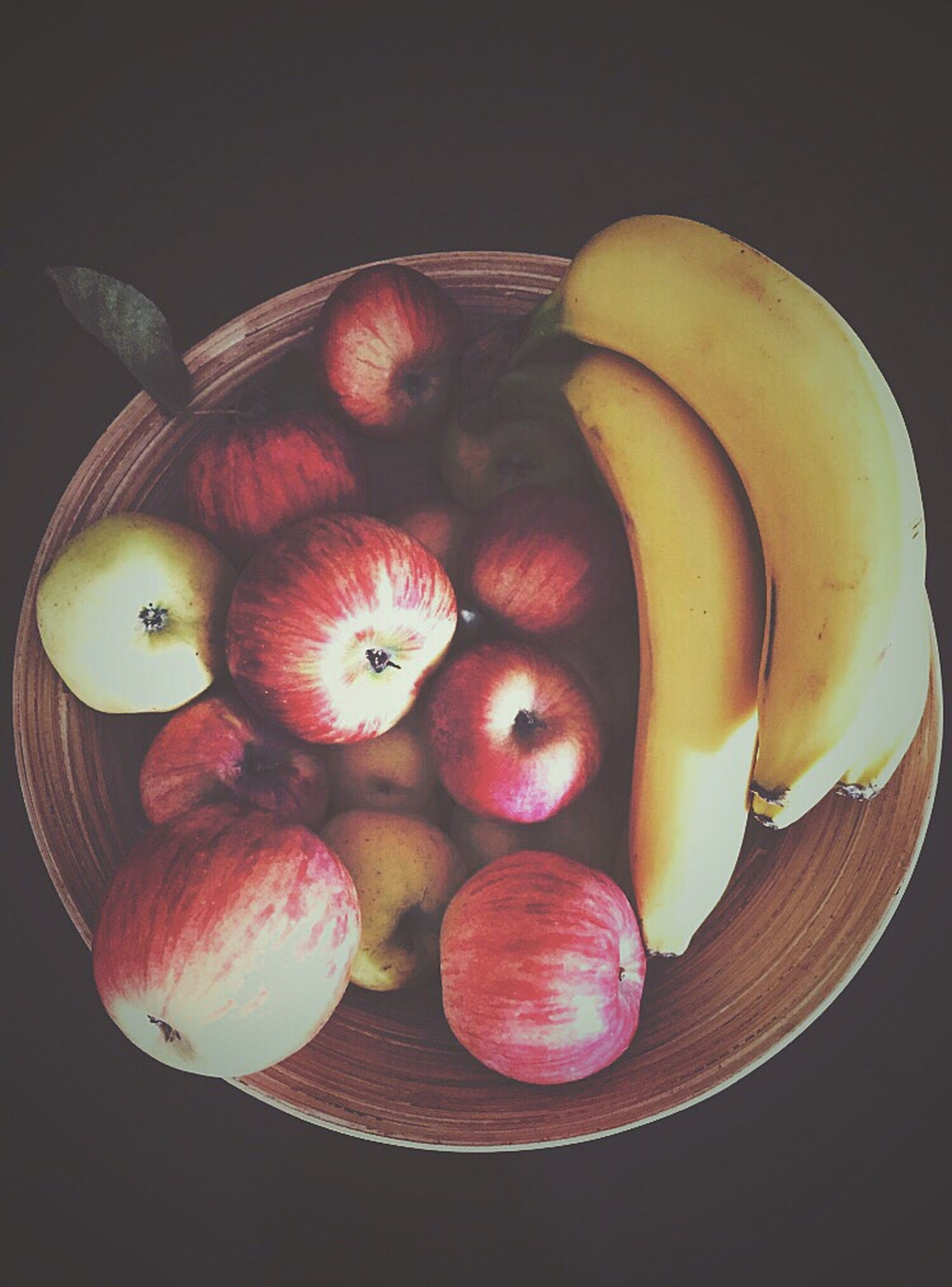 Yummy yum 🍏🍎🍌😌😋 Vitamins Fruitlover Fruitporn Apples And Bananas EyeEm Gallery I Love Colour Color Photography Beautiful Showcase: February