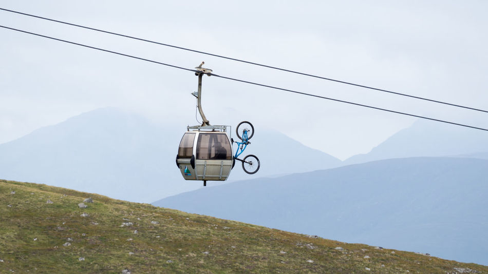 Aonach Mor Cable Car With Mountain Bike Aonach Mor Gondola Mountain Bike Nevis Range Mountain Resort Scotland Adventure Beauty In Nature Cable Day Fog Hanging Mountain Mountain Range Nature Outdoors Overhead Cable Car Scenics Ski Lift Sky Tranquil Scene Tranquility Transportation