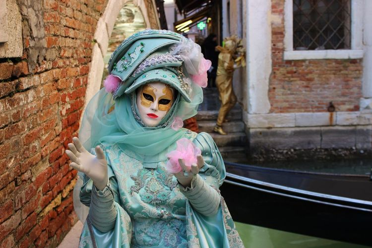 2017 Adult Adults Only Carnevale Di Venezia Cultures Day Ethereal Females Gondola - Traditional Boat Headshot Maschere One Person Only Women Outdoors People Pink Color Tradition Venetian Mask Venice, Italy Wedding Dress