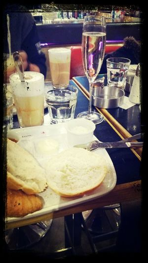 Frühstück! Orangensaft Prosecco Hipsterlife
