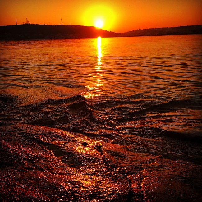 Sun Sunset Scenics Water Tranquil Scene Beauty In Nature Tranquility Idyllic Orange Color Nature Mountain Romantic Sky Majestic Sea Vibrant Color Rippled Vacations Travel Destinations Tourism Calm