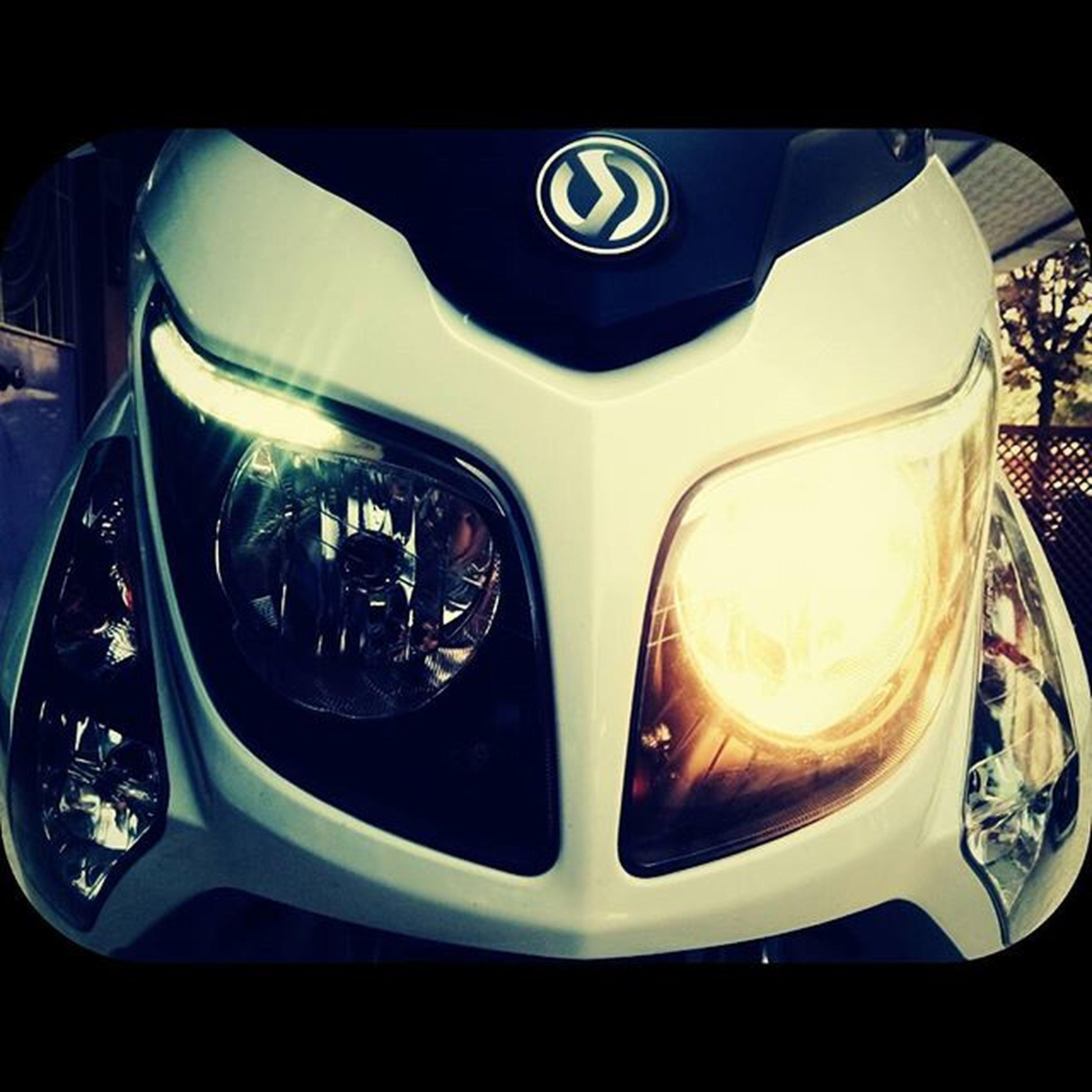 SYM Symtaiwan Symgts Motorcycle Moto Helmet Buff Scooter MaxiScooter 250ievo Phoenix
