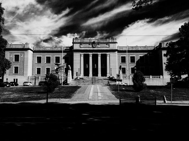 University Gothenburg Blackandwhite Sweden Building Architecture Educación EyeEm Best Shots Eyemphotography Architecturelovers Buildingstyles Arcitecturephotography Black And White Collection  Blackandwhite Photography Urban Photography Gothenburg_photographer_ Architecture_collection Urban Landscape Gothenburg_bw