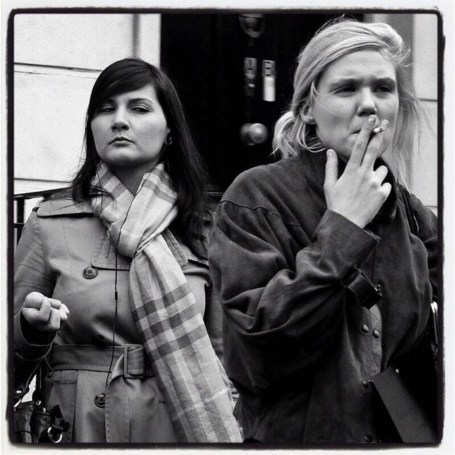 Street Looking At Camera Capture The Moment Up Close Street Photography Streetphoto_bw Black & White Portrait Of A Woman Film Noir London Tranquility
