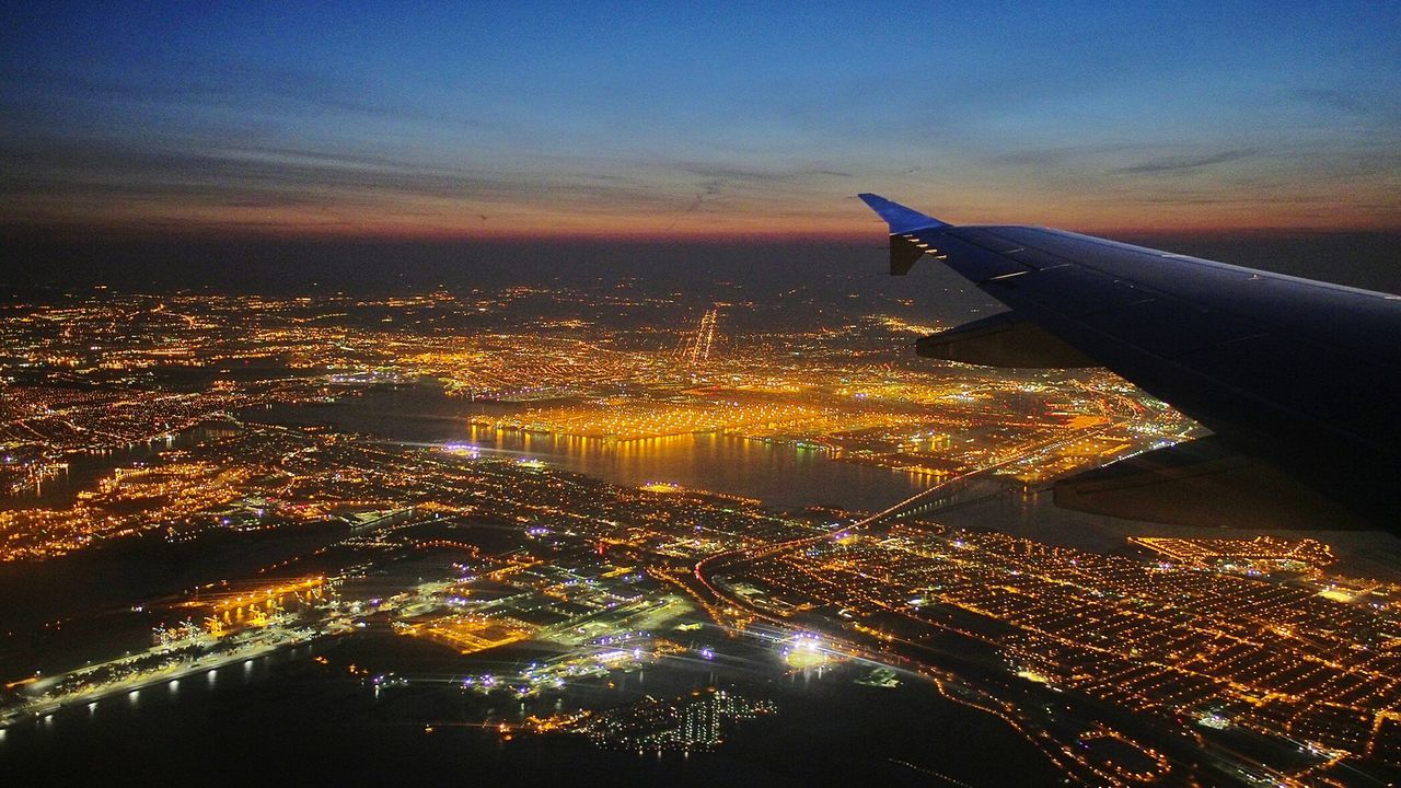 Cities At Night Eyeem Awards 2016 Simply Beautiful New York City Bits And Pieces Bitstars Of Night Airplaneview Taking Photos Check This Out Hello World Travel Photography