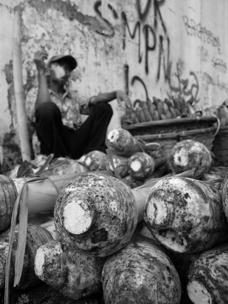 taro. Streetphotography Blackandwhite Man Smoke