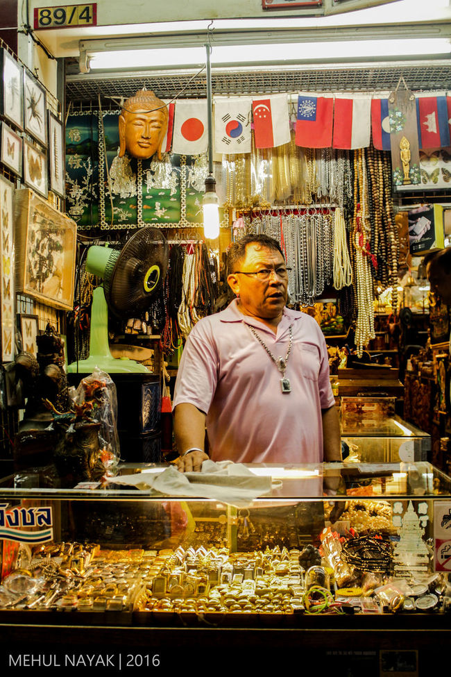 Alcazar Arch Candid Everyday Lives Exploring Leisure Activity Lifestyles Market Market Stall People Streetphotography Thailand Travel Vacation Walking Street First Eyeem Photo
