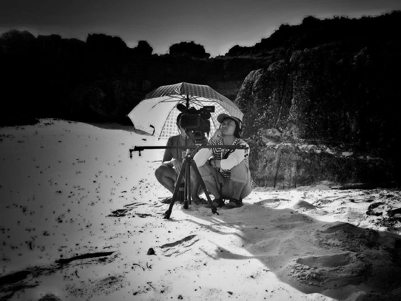 Protect me Hello World That's Me Check This Out Taking Photos Hanging Out Enjoying Life Humaninterest Bw Bwphotography Blackandwhite Photography Fine Art Photography Monochrome Photography Journey Sun Sunshine Tired! Working Hard