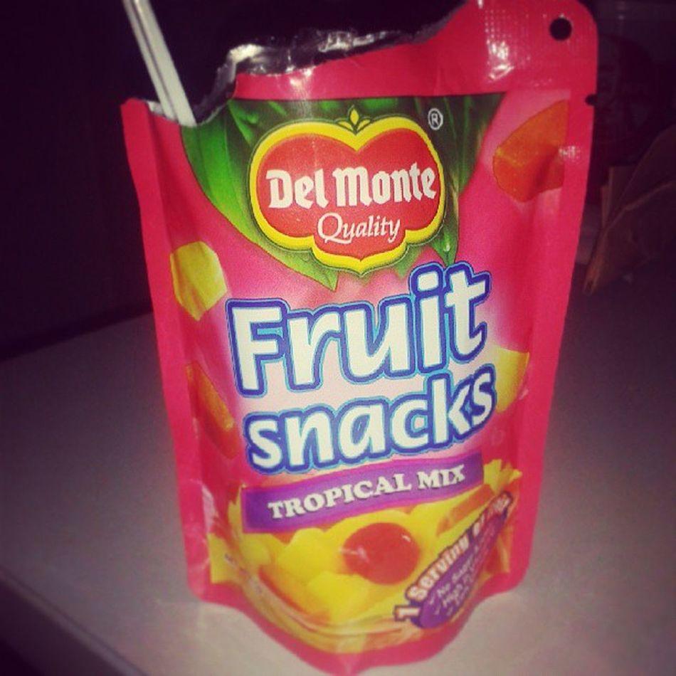 Fruit Delight on the go!! Iamsupernelo Fruitsnacks Fruitdelight Onthego snackchoice tropicalmix fruitygoodness