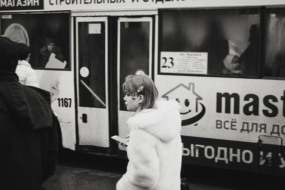 Fujifilm X-Pro1 Streetphoto_bw Photoreportage Fujifilmru 35mm калининград Kaliningrad Streetphotographer Fujifilm_xseries Black Photography фоторепортаж улица39 Pregelstreet человек Women