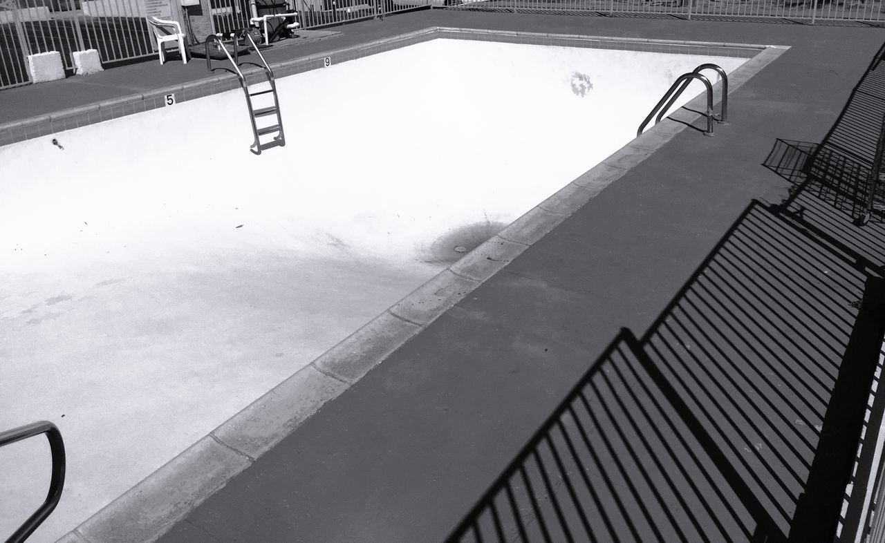 """No Diving"" Pool Poolside Swimming Pool Pool Side Dry Pool Empty Pool Motelpool Blackandwhite Blackandwhite Photography"