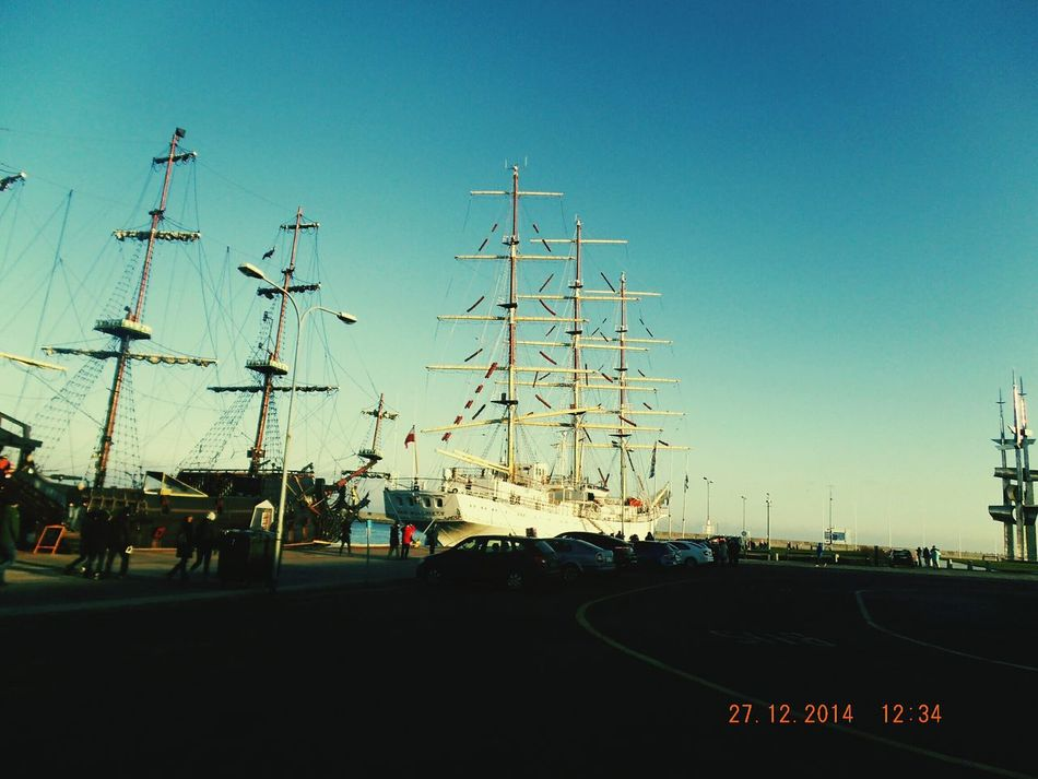 Sky Outdoors Amusement Park Large Group Of People Day sky People Finding New Frontiers Polishpolish sea Polished freedom Ships⚓️⛵️🚢 Ships At Sea Ship Shiplife Sails Sails Up Sails Down Harbor City Harbor View Harborside Harbor Area Harbor Seals Freezing Freelance Life Freezing Cold Free Spirit