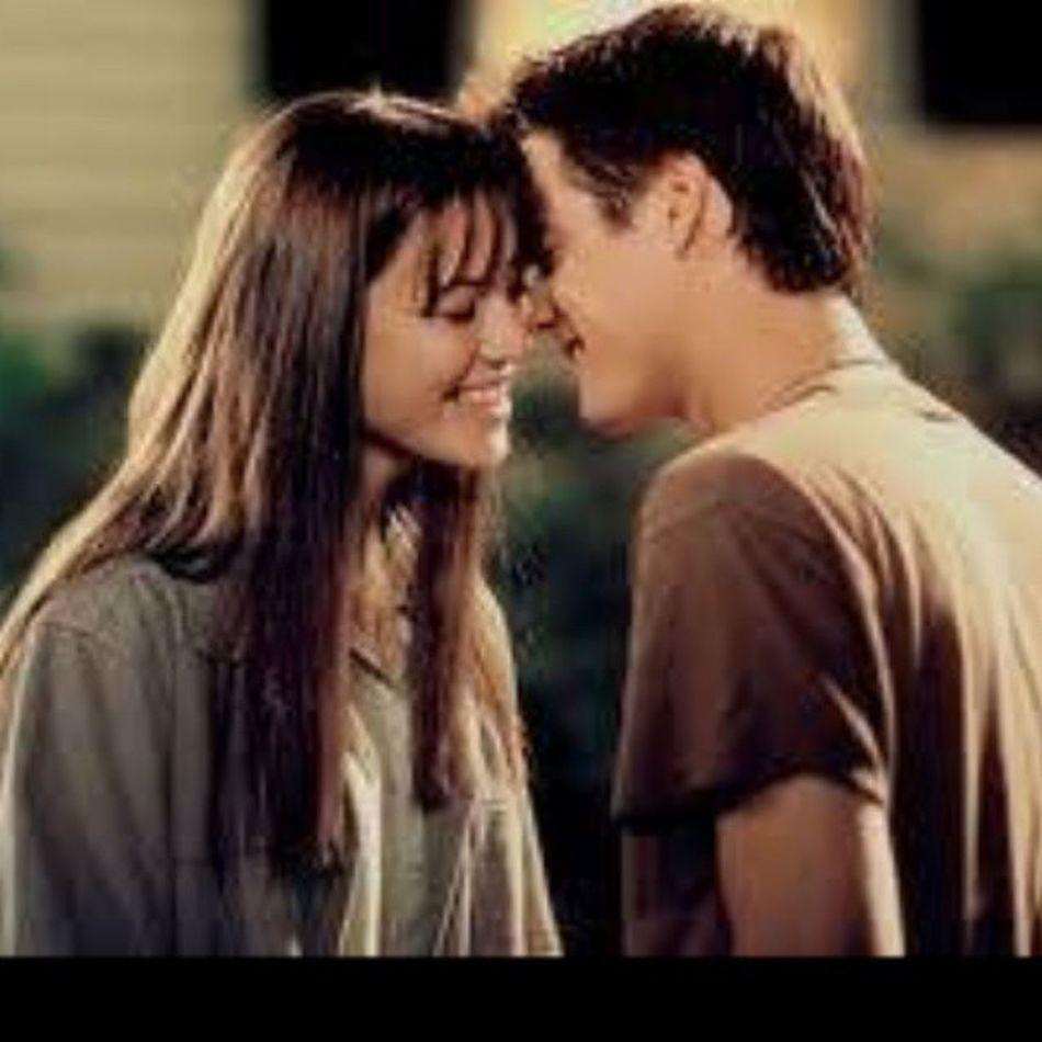 Nuestro amor es como el viento, no lo puedo ver pero lo puedo sentir UnAmorParaRecordar .