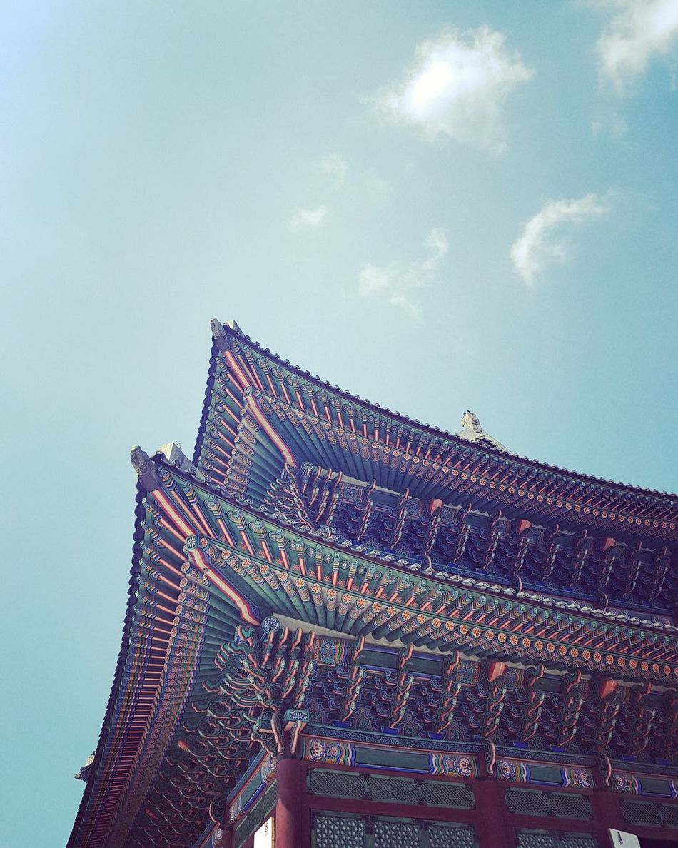 Spring is coming Sky Low Angle View Blue Architecture Outdoors Building Exterior Beautiful Spring Is In The Air Gyeongbokgung Palace, Seoul Korea Eyemphotography Sundaymorning With My Son Colorful Lee Dynasty