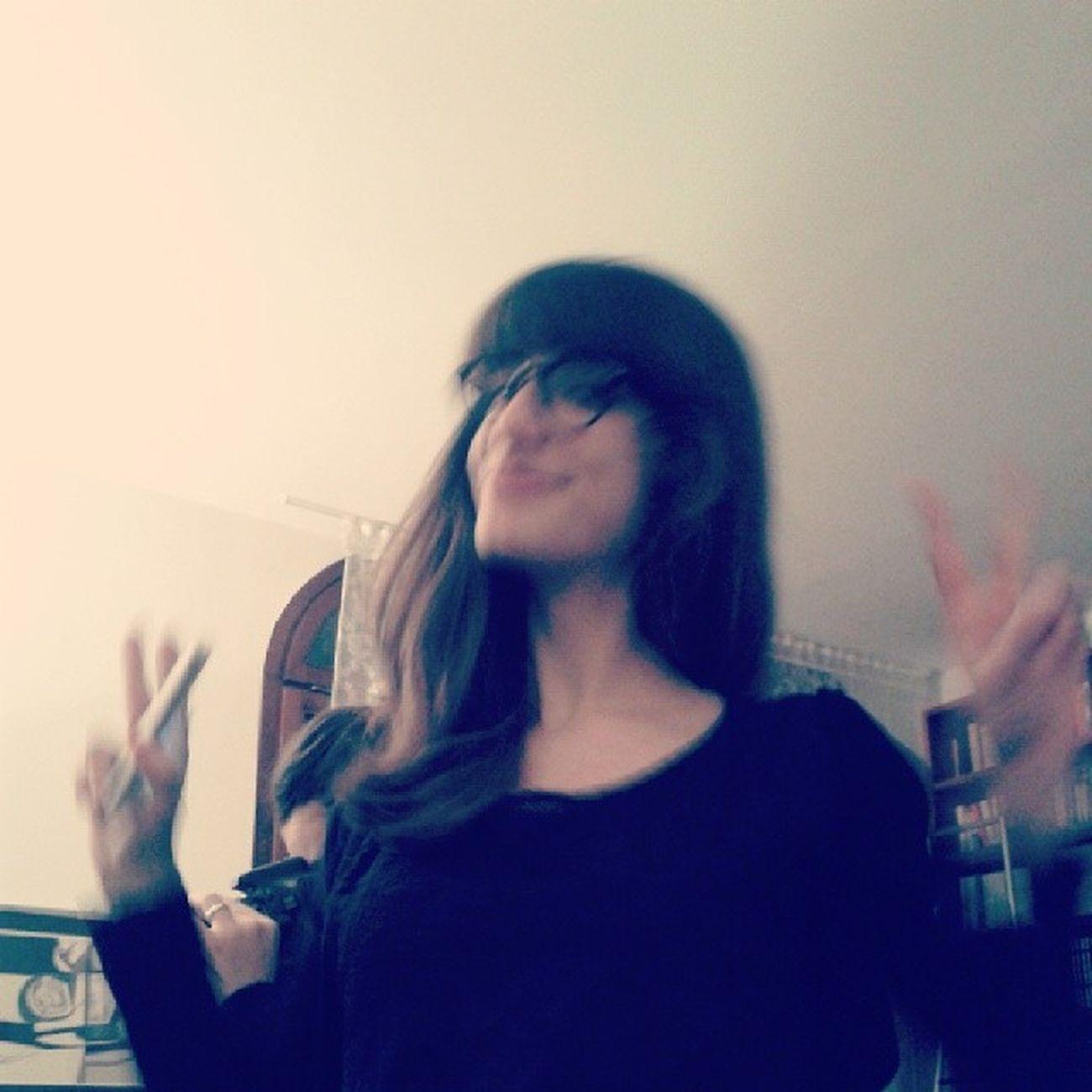 Giulia Sfuocata Stupid Hippie style victory glasses