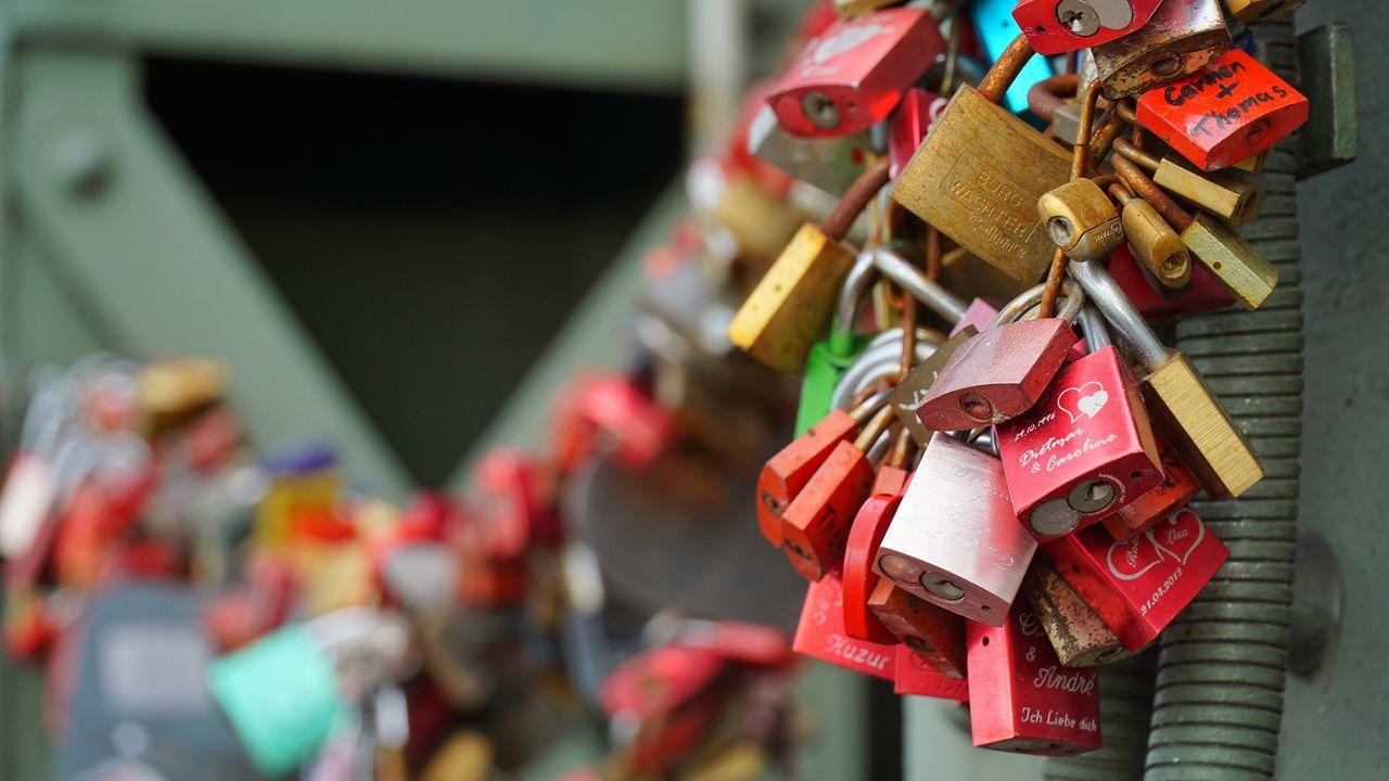 Close-up Cologne Day Hanging Köln Love Love Locks Bridge Lovelocks Multi Colored No People