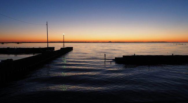 明けましておめでとうございwます。2016年初日の出ならぬ初日の入りw Sunset Sunset_collection Magic Hour Photography Landscape_photography Skyscrapers Beautiful Sunset