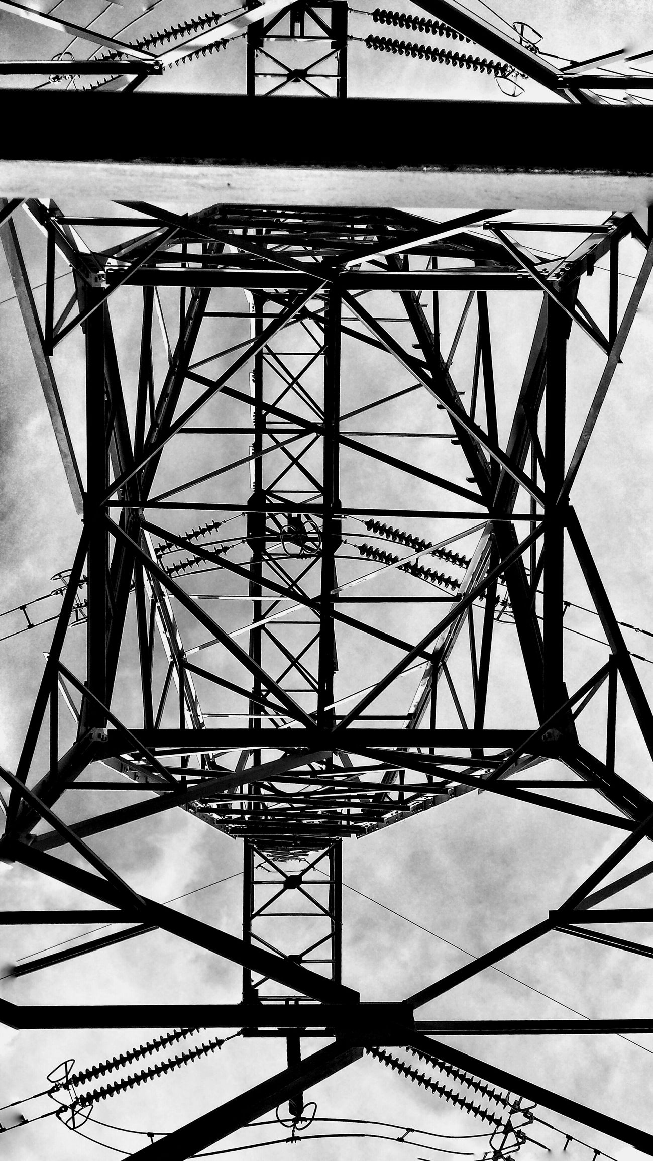 Learn & Shoot: Simplicity Under the power lines Learn & Shoot Photographer Learn & Shoot:Simplicity Learn & Shoot: Simplicity